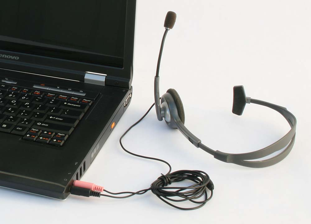 hook up headphones to pc